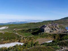 0723 第5展望台へ 旭岳石室 緊急避難用の堅固な建物