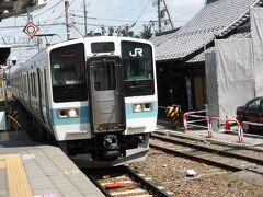 穂高駅から10時4分発の電車で松本へ向かいます。