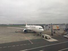 JAL JL0279 8/28 10:05 羽田発  出雲縁結び空港と羽田空港はJALしか就航していません。 JALは羽田空港の第一ターミナルからの出発になります。  旅行期間中は生憎の灰色の空と雨でした。。 台風の接近もあり、自分の雨女っぷりに呆れてしまいました。