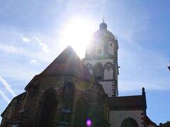 旧市街をぐるぐると散策し旧市街の中心マルクト広場に出ました。フラウエン教会の塔が見えます。マイセン陶器でできた鐘が有名ですが、ちょうど定時の鐘を聞くことができました。ラッキー。
