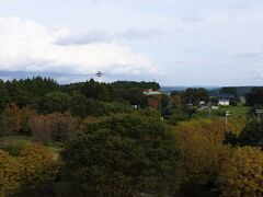 5階パブリックスペースからの眺望。 中央に喜連川スカイタワー、右斜め下にホテルニューさくら。