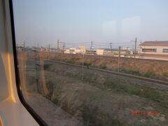 やがて関西線と合流し、ここからは電化区間。