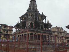 クリシュナ寺院 ネパールでは石造は珍しいのだそう。