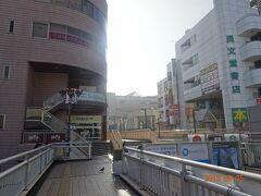 早朝の松戸駅。