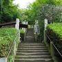 まずは杉本寺。鎌倉最古の寺院です。坂東観音霊場三十三番札所の第一番です。
