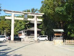 家に帰る途中に知立神社に立ち寄ります。 三河二宮です。