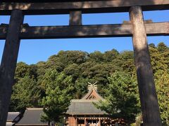 石見一之宮の物部神社へ。 物部氏の祖神という、宇摩志麻遅命を祀る神社。
