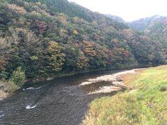 紅葉の名所でもあるらしい立久恵渓。 ちょっと早かったかなぁ。。。少しだけ紅葉を楽しめました。