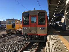小川町から鉢形までは、運転系統が分離されている為、4連リバイバルカラーのワンマン列車に乗り継ぎます。