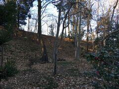 1476年築城の鉢形城。 詳しくはこちら↓ https://ja.wikipedia.org/wiki/%E9%89%A2%E5%BD%A2%E5%9F%8E  やはり有名なのは秀吉の小田原攻めの際の戦いですかね。