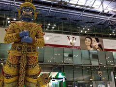 スワンナプーム国際空港 巨大 ヤック像が見張っております!