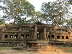 アンコール Angkor 遺跡群は、アンコール市街、 国道6号線から北に10kmほど行ったエリアにあります。 シェムリアップ川の西にアンコールトム、東に東バライとタ・プローム。