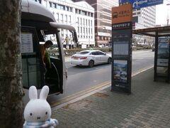 空港から釜山駅までは40分ちょっとで行く予定が渋滞にはまり1時間ちょっとかかってしまいました(^_^;)。 釜山で何かしようと思ったものの、予約したKTXのこともあるので、釜山駅へ行こうと思いました。