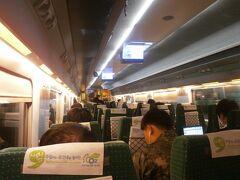 今回は普通席にしました。 1時間半なので、良いかなと(^_-)-☆。  いつの間にか釜山駅を出発していました。 音が静かでした。