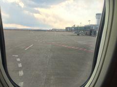 順調なフライト、定刻よりも10分早く到着です