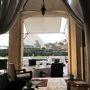 ギザのメナハウス最後の朝です。  レストランのテラス越しに見えるピラミッドも見納めです。
