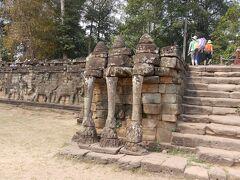象のテラスです。 ジャヤヴァルマン7世により建てられた王宮の正面を飾るテラス。