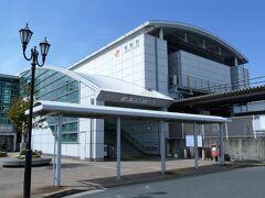 舞阪駅 宿場町の中心となるようなイメージを浮かべ電車を降りましたが旧東海道舞阪宿側の駅前には商店、バス、タクシーターミナルも無く住宅街でした。