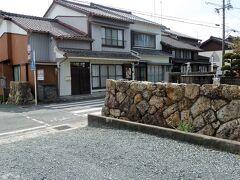 見附石垣 ここからが舞阪宿内に入ったことになります。