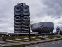 交通センター館見学後には、乗り物つながりでBMW博物館にも行きました。 車の展示もさることながら、なぜBMWが成功できたのかに焦点が当てられていて、非常に興味深かったです。
