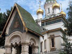 """奇蹟者聖ニコライ聖堂(Църква """"Свети Николай Чудотворец"""")  露土戦争後に破壊されたモスク跡地に建てられたロシア正教会の教会です。   奇蹟者聖ニコライ聖堂:https://ja.wikipedia.org/wiki/%E5%A5%87%E8%B9%9F%E8%80%85%E8%81%96%E3%83%8B%E3%82%B3%E3%83%A9%E3%82%A4%E8%81%96%E5%A0%82_(%E3%82%BD%E3%83%95%E3%82%A3%E3%82%A2) ロシア正教会:https://ja.wikipedia.org/wiki/%E3%83%AD%E3%82%B7%E3%82%A2%E6%AD%A3%E6%95%99%E4%BC%9A"""