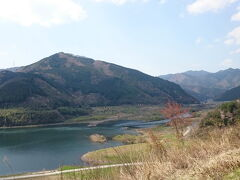 途中、みずの郷奥津湖でトイレ休憩