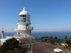 灯台の見学は9時からでしたが、少し早めに入れてもらえました。