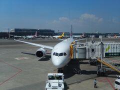4月19日(水) 成田空港第2ターミナル クアラルンプールまで搭乗するJAL便。
