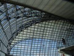 バンコク スワンナプーム国際空港 貧乏人の我家ではLCCばかり利用するので、いつものドムアン空港と異なり、敷居が高くて落ち着きません。