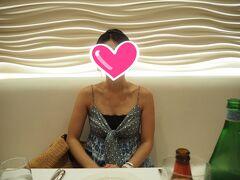 ディナーの時間になったのでイタリアンレストラン  「Taormina Sicilian Cuisine」へ  両隣日本人でした(^^;;  やっぱり多いね~  予約する時も店に入りカタコトの英語で言うと  バリバリの日本人の方で「予約でよろしいでしょうか?」  って言われたしね(*ノノ)