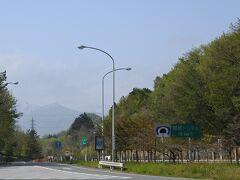 関越トンネルまで10km。越後湯沢温泉を目指して出発♪