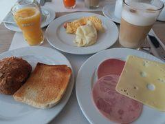 朝食 パンは美味しかった