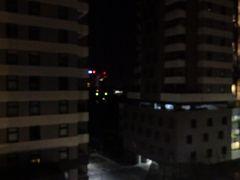 シドニーは2泊しましたが、ホテルの窓から明るい風景は一切見られませんでした…。