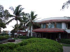 この日の宿は、ラディソン・ブルー・リゾート・テンプル・ベイ・マハーバリプラム。  欧米人向けのリゾートホテルです。