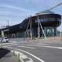 ●今治港  船の形をしたターミナルのようです。