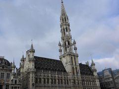 グランプラス。 思っていたよりも広場が狭くてびっくりした。 ミュンヘンのラートハウス前よりも狭いかも?