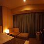 【ホテル】メトロポリタン仙台  先週の部屋はあまり広くはなかったが、寝心地を追求した広いベッドと、2種類の枕は、良質の睡眠を追及する最高のサービスだ。アメニティもなかなか良くて、こちらの固形石鹸の洗顔フォームは、とても泡立ちやすくて、どこかで売ってくれないかな、と思うくらい気に入っている。