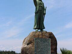 「天草四郎像」 ツアーのお決まり、像の前で集合写真を撮ります・・