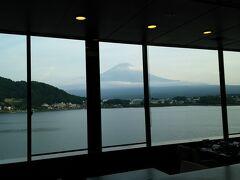 うぶやのホテルから見た富士山