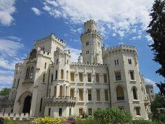 前回も訪れたフルボカ城。前回は冬だったので、建物の中には入れませんでした。 今回は、入れます。