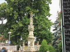 マリア教会から5分くらいの場所に、骸骨教会(セドレツ納骨礼拝堂)があります。 こちらは、もう入場できました。