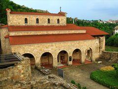 40人殉教者教会。1230年建設。雨が降り出したので大急ぎで坂道を駆け上る。