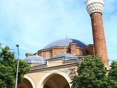 バーニャ・バシ・ジャーミヤ 1566年建立。