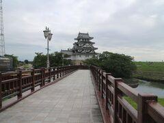 大垣に宿泊し、次の日は一路馬籠宿まで。  ここは墨俣の一夜城。こんなに立派じゃなかっただろう。
