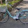 今日の相棒。 電動アシスト付自転車は15時半までに駅前の観光案内所へ返却しなければいけません。 すでに10時近く。 果たして今日の予定はすべてこなせるのか。