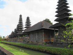世界遺産のタマンアユン寺院。