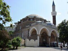 イスラム教の寺院、バーチャ・バシ・ジャーミヤ
