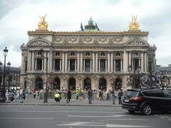 今回念願叶ってオペラ座に初入場できました。