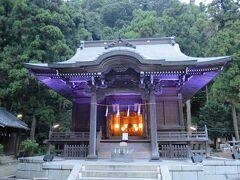 平安時代に建てられたという神社です。 右手には樹齢400年の大樹があります。 神聖な雰囲気でとても良い神社でした。