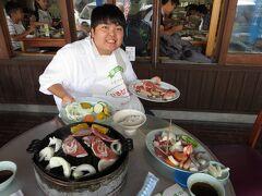 ジンギスカン食べ放題(1人2,400円) うまい! 大満足!!!  12時過ぎに、蒜山高原 ひるぜん大将に到着 松江から米子経由で1時間20分ほどかかりました。 屋内はいっぱいだったので、テラス席に通されました